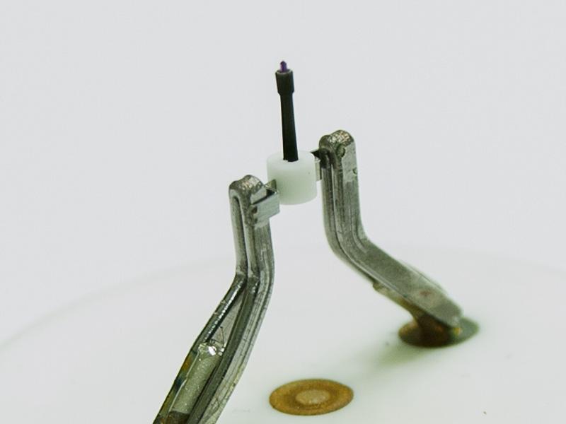 Zoom image electron microscopy cathode